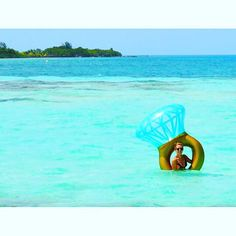 Honeymoon goals! Belize All Inclusive, All Inclusive Honeymoon, Romantic Honeymoon, Romance, Goals, Island, Outdoor Decor, Romance Film, Romances
