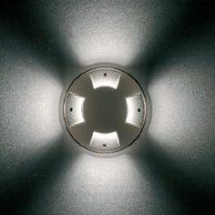 Lámpara New Vega   Empotrable redondo de emisión luminosa lateral rasante QT 32 100W E27  Posibilidades de luz unidireccional, bidireccional y omnidireccional  Estructura y tapa superior de aluminio (aluminio o antracita)  H 238mm, diámetro 180mm  www.teknilight.com