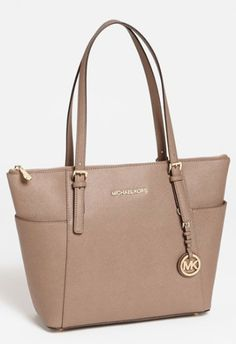 Michael Kors leather tote http://rstyle.me/n/nvgpnpdpe