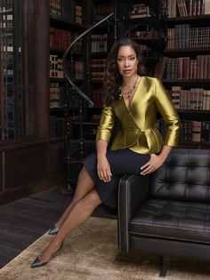 """I'm not going to cower in some corner trying to convince them that I'm friendly I'm gonna kick some ass and remind them I'm fierce."" - Jessica Pearson (played by Gina Torres on the USA Networks show Suits) Gina Torres, Business Chic, Business Fashion, Office Fashion, Work Fashion, Jessica Pearson, Suits Season, Season 4, Suits Tv Shows"