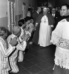 Pope Giovanni XXIII Visiting Prisoners - 1958   #TuscanyAgriturismoGiratola