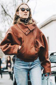 39 Stylish Brown Leather Jacket Outfits Ideas To Makes You Look Fashionable - Style - Jackets Fashion Mode, Fashion Week, Look Fashion, Winter Fashion, Net Fashion, Dress Fashion, Fashion Clothes, Girl Fashion, Fashion Blogs