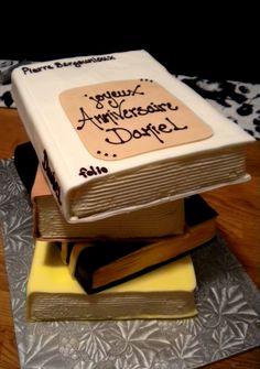 Gâteau livres - (www.mllesgateaux.com)