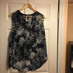 Tank Great flower tank that would look good with shorts or jeans Aeropostale Tops Tank Tops