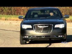 2015 Chrysler 300 Feature Review