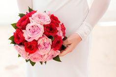 Diseñamos, organizamos, decoramos y coordinamos bodas y eventos mágicos, personalizados y 100% hechos a mano.