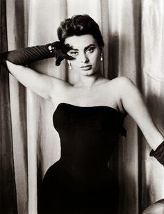Mrs. Button's Vintage Corner: Vintage Inspiration - Italian Movie Goddess Sophia Loren