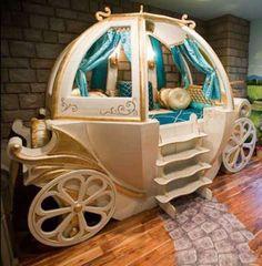 Een overzicht van de duurste wiegjes en ledikanten ter wereld! #wieg #crib #luxe #ledikant #expensive #koets #gold #goud #rijk
