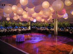 Versier de dansvloer met lampionnen. Wij hebben pakketten met lampionnen tegen hoge kortingen. #lampion #wedding ceremonie #wedding paperlanterns #lantarnes #wedding Ideas #wedding inspiration #bruiloftsversiering #lampionnen #paperlanterns #wedding decor #Bruiloftstyling #Weddingdecor #decoration de mariage #pom pom #lampionnen #bruiloft #versiering #tent #marriage #weddingIdeas #wedding #weddinginspiration #bruid #styling #decoratie #trouwen #trouwfeest