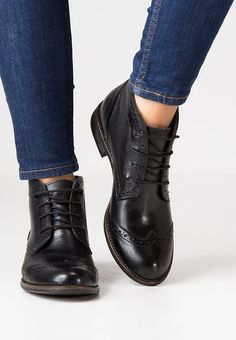 Pier One Lace-up boots - black for £64.99 (11/03/17) with free delivery at Zalando