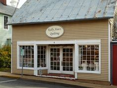 A shop in a former carriage house stocks fabrics from many genres in an effort to keep its customers returning.