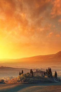 Autumn sunrise, Tuscany, Italy val D'orcia Siena