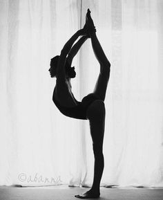 Fitness body pictures yoga poses 69 ideas for 2019 Ballet Photography, Fitness Photography, Photography Poses, Yoga Pictures, Dance Pictures, Yoga Girls, Yoga Inspiration, Motivation Inspiration, Fitness Inspiration