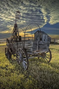 I LOVE this photo! Covered Wagon, Windmill and Barn on the Prairie in 1880 Town Frontier Museum South Dakota A Pioneer Farm Landscape Photograph Barn Pictures, Pretty Pictures, Pioneer Farms, Westerns, Old Windmills, Old Wagons, Country Barns, Country Life, Country Roads