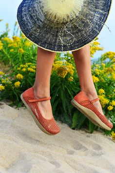 #KalsoEarthShoes Solar 3 shoe #casuals for #Spring2014 http://www.earthbrands.com/item/kalso-earth-shoe-solar-3/38486/463