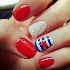 Cute of july nails, white nails instead of red with the ring finger like shown! Fancy Nail Art, Fancy Nails, Red Nails, White Nails, Sparkle Nails, Pedicure Designs, Nail Designs, Nail Art At Home, 4th Of July Nails