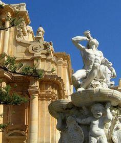Fountain of Hercules, just outside Saint Dominic Church - Sicily 2009: Noto 7