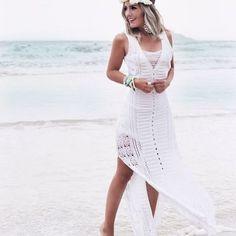 O vestido de tricô é o modelo perfeito para arrasar no verão. Para montar um look fresquinho e estiloso, aposte na versão longa e se joga na tendência. ❤️ Onde encontrar: Pitanga (Av. Cristóvão Colombo, 287 - Loja 160 - Savassi) #feirashop #lindadefeirashop #moda #modabh #modamineira #modaparameninas #look #lookdodia #trend #tendencia #style #estilo #fashion #vestido #vestido longo #dress #trico #vestidodetrico #verao #Bh