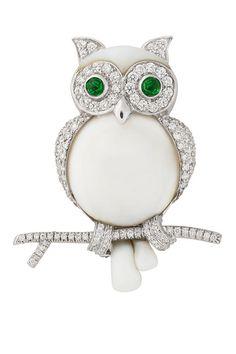 White Gold White Agate Diamond and Cabochon Peridot Owl Clip-Brooch Bulgari 18 kt. Bird Jewelry, Animal Jewelry, Jewelry Art, Jewelery, Fashion Jewelry, Jewelry Design, White Agate, White Gold, Italian Jewelry