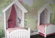 Girls bedroom with mural
