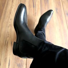 Italian made black chelsea boot - classic, sleek, elegant Blue Chelsea Boots, Chelsea Boots Outfit, Black Ankle Boots Outfit, Black Boots, Classy Jeans Outfit, Classy Outfits, Casual Outfits, Black Prom Suits, Formal Men Outfit