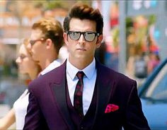 new top ten handsome hero Hrithik Roshan pictures - Life is Won for Flying (wonfy) Bollywood Actors, Bollywood Celebrities, Bollywood Fashion, Hrithik Roshan Hairstyle, Krrish 3, India Actor, Indian Men Fashion, Mens Fashion, Bollywood Pictures
