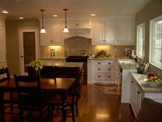 Santa Cecilia Granite With White Cabinets Kitchen Backsplash Slate Santa Cecilia Granite With White Cabinets Santa Cecilia Granit. White Cabinets With Granite, Glazed Kitchen Cabinets, White Granite Countertops, Cream Cabinets, Kitchen Cabinet Design, Kitchen Redo, New Kitchen, Kitchen Remodel, Kitchen Ideas