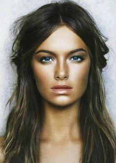beachy hair and glowy make-up
