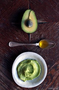 Easy DIY Avocado facial mask, using only 2 ingredients. The best and super effective facial mask.