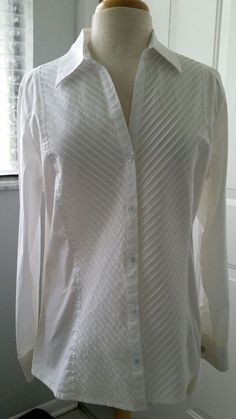 Chico's Stretch White Classic Long Sleeve Career Blouse Cuffs Size 2 (12-14) EUC…