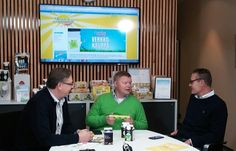 Munax Oy:n perustajaomistajat Hannu Majander (vasemmalta) Juha Venno ja Janne Torikka Osaka, Flat Screen, Blood Plasma, Flatscreen, Dish Display
