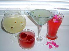 Šumivé limonády z bylinkové zahrádky: domácí bezinková, z tužebníku nebo mátová     MAKOVÁ PANENKA Martini, Homemade, Tableware, Glass, Dinnerware, Home Made, Drinkware, Tablewares, Corning Glass
