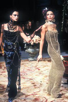 Dior Haute Couture, Couture Mode, Couture Fashion, Runway Fashion, Fashion Art, John Galliano, Galliano Dior, Wedding Dress Backs, Wedding Dresses With Flowers