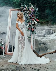 Wonderful Perfect Wedding Dress For The Bride Ideas. Ineffable Perfect Wedding Dress For The Bride Ideas. Western Wedding Dresses, Wedding Dress Train, Perfect Wedding Dress, Wedding Dress Styles, Dream Wedding Dresses, Bridal Dresses, Wedding Gowns, Wedding Dress Corset, Fitted Wedding Dresses