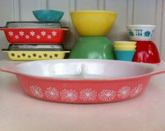 Pyrex pink daisy divided serving dish!!