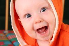 ¡Buenos días! No podemos evitar que sea lunes, pero sí podemos llevarlo con una sonrisa... :D