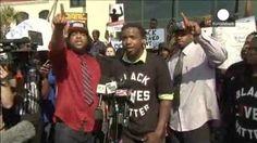 Concentración en el Ayuntamiento de North Charleston para protestar contra la muerte de un afroamericano desarmado al que un policía disparó