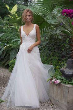 Fitted Lace Wedding Dress, Fancy Wedding Dresses, Lace Weddings, Boho Wedding Dress, Bridal Dresses, Wedding Gowns, Wedding Bride, Couture, The Dress