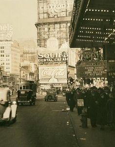NYC 1934..love the marquee
