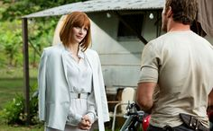 Extended first look and 27 new pictures for JURASSIC WORLD starring Chris Pratt, Bryce Dallas Howard, Nick Robinson and Ty Simpkins. Jurassic World 2015, Jurassic World Movie, Jurassic Park Series, Bryce Dallas Howard, Chris Pratt, Michael Crichton, Pop Culture Halloween Costume, Halloween Costumes, Halloween Ideas