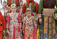 Folk Dance, Folk Costume, World Cultures, Gallery, Children, Fabric, Photography, Medan, Inspiration