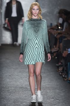 Marc by Marc Jacobs Spring 2014 RTW - Runway Photos - Fashion Week - Runway, Fashion Shows and Collections - Vogue Fashion Week, Fashion Show, Fashion Design, Review Fashion, Daily Fashion, Runway Fashion, High Fashion, Vogue, Marc Jacobs 2014