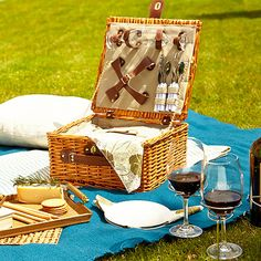Picnic in the Park #picnic #picnicinpark Styled by Adrian Perry