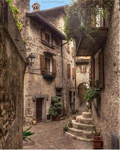 Tremosine Sul Garda, Italy Photo by Italian Courtyard, Places To Travel, Places To Go, Stone City, Garda Italy, Italian Village, Italian Lakes, Travel Aesthetic, Countries Of The World