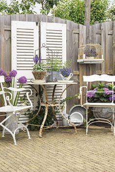 Outdoor Furniture Sets, Outdoor Decor, Green Grass, Plant Decor, Vintage Green, Garden Projects, Garden Inspiration, Outdoor Living, Arno