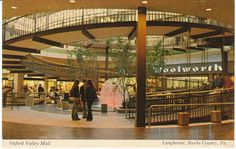 The ramp at Oxford Valley Mall. We spent at least 5 days a week at the mall. Most of that time was spent at the top of that ramp.sitting on the railing in front of Woolworth's. Vintage Postcards, Vintage Images, Vintage Pictures, Dead Malls, Mall Stores, Dark Interiors, Vintage Interiors, Shopping Malls, Architectural Features