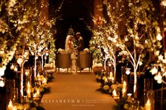 Elisabeth B.   www.elisabethb.com #christmaswedding #holidayseason #holidaywedding #chateaufronteanc #quebeccity Photo: Xavier Dachez   Decor&Flowers: La Fleur d'Europe