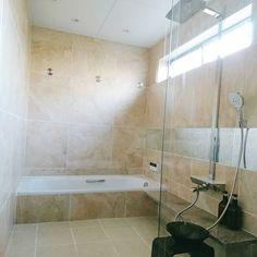 掃除終了  #新築 #お風呂 #バスルーム #カルデバイ  #ハンスグローエ #レインダンス #タイル張り #bathroom #kaldewei #hansgrohe #raindance #tiling
