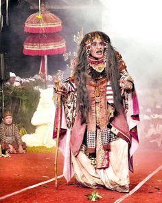 Matah Gede at Calonarang performance at Pura Dalem Batuyang.