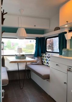 caravan renovation ideas 673217844287381414 - 16 Best RV Camper Remodel to RV Travel Trailers – camperlife… – Camping Source by carolynsueharris Vintage Caravan Interiors, Caravan Vintage, Vintage Caravans, Vintage Motorhome, Vintage Rv, Vintage Campers, Vintage Trailers, Vintage Wood, Vintage Travel